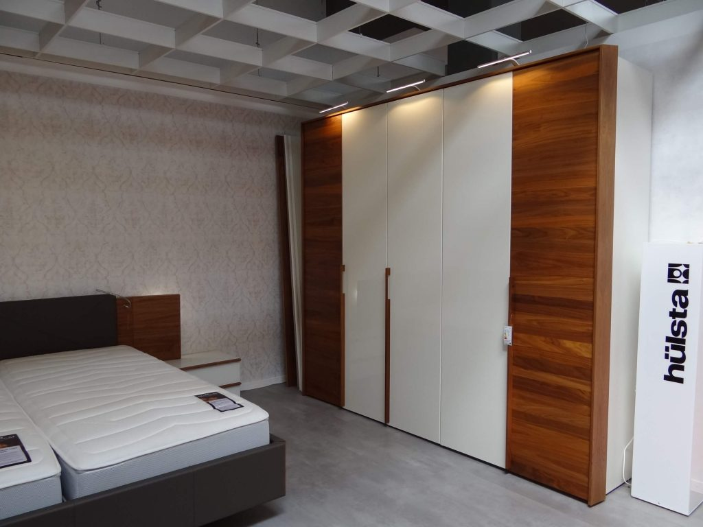 h lsta schlafzimmer modell cutaro. Black Bedroom Furniture Sets. Home Design Ideas